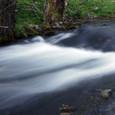 行く川の水の流れは絶えずして