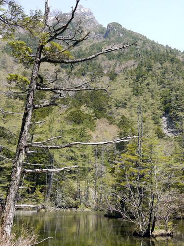 明神岳と明神池(二の池)